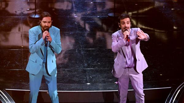 Colapesce e Dimartino sul palco di Sanremo 2021